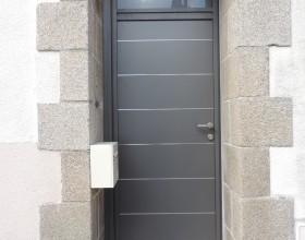 Porte d'entrée modèle Lignée